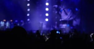 Konsert med folk stock video