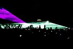 konsertfolkmassahand arkivfoton