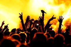 konsertfolkmassasilhouettes Royaltyfri Foto