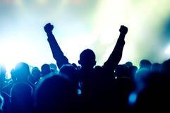 konsertfolkmassasilhouettes Royaltyfria Foton
