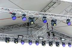 Konsertstrålkastare på utomhus- etapp Royaltyfri Fotografi