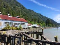 Konservenfabrikgebäude nähern sich Prinzen Rupert, Britisch-Columbia, Kanada Stockfoto