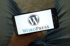 KONSKIE, POLOGNE - 29 juin 2019 : Logo de système de gestion de contenu de WordPress au téléphone portable photographie stock