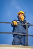 Konsol-Operator in der Öl- und Gasproduktion Stockfoto
