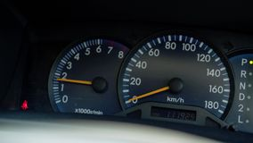 Konsole der elektronischen Navigation Arbeitsgeschwindigkeitsmesser, Tachometer stock video