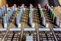 konsoli elektroniczna melanżeru muzyki dźwięka technologia Obraz Stock