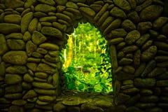 Konst av arkitektur på den sakrala apan Forest Sanctuary, Bali, Indonesien Royaltyfria Bilder