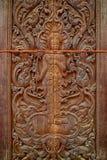Konst av trä i templet Thailand Arkivfoto