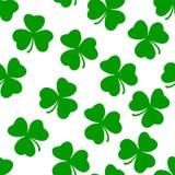 Konst för modell för grön Irland treklövervektor sömlös royaltyfri illustrationer