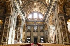 Konst och struktur för basilika för St Peter ` s inom basilikan Arkivfoton
