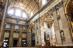 Konst och struktur för basilika för St Peter ` s inom basilikan Royaltyfri Foto
