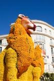 Konst som göras av citroner och apelsiner i den berömda citronen Festival Stor fest du Sötcitron i Menton, Frankrike Royaltyfri Fotografi