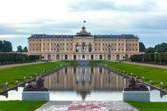 Konstantinovsky slott i Strelnaen, förort St Petersburg, Ryssland royaltyfri foto