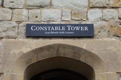 Konstapel Tower på tornet av London royaltyfri bild