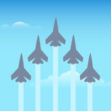 Konstflygningnivåer i himlen stock illustrationer