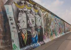Konstgalleri av Berlin Wall på den östliga sidan av Berlin arkivfoto