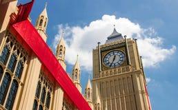 konstgjord Bigben London klassisk klocka Arkivbild