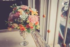 Konstgjord blomma för färgrik garnering Arkivfoto
