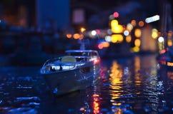 Konstgjord kopia av St Petersburg på natten Royaltyfri Fotografi