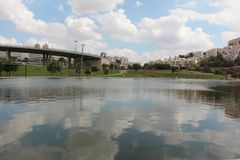 Konstgjord sjö av Modiin, Israel Arkivbilder