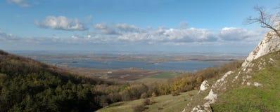 Konstgjord sjö Nove Mlyny i södra Moravia Arkivfoto