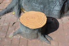 Konstgjord stol för trädstubbe Royaltyfri Foto