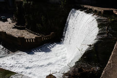 Konstgjord vattenfall i Abchazien nya Athos Fotografering för Bildbyråer