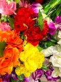 Konstgjorda blommor i lager royaltyfria foton