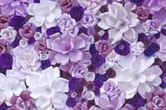 Konstgjorda blommor som göras av papper Arkivfoton