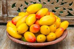 Konstgjorda mango för garnering Arkivbild
