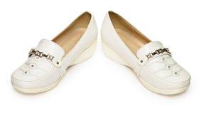 konstgjort billigt läder gjorde skor Arkivfoto