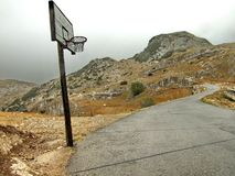 Konstig basketdomstol Arkivbild