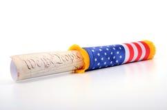 Konstitution der Vereinigten Staaten von Amerika und USA-Flagge Lizenzfreies Stockfoto