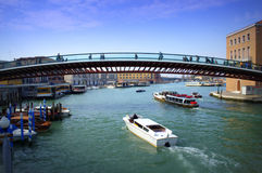 Konstitutionbro, Venedig Royaltyfria Bilder