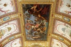 Konstmålning av taket i central korridor av villan Borghese, Rome Royaltyfri Bild