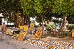 Konstmarknad i museumområdet Seville, Spanien arkivfoton