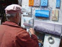 Konstnär på Monmartre, Paris Royaltyfri Bild