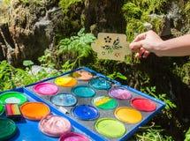 konstnärbakgrundsfjärilar kommande idérik som fantasi för begrepp isolerade naturen ut, målar sommar för fjäder för splatter för  fotografering för bildbyråer