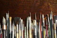 konstnären brushes s Arkivfoton