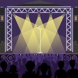 Konstnärer för konsertpopgrupp på platsmusik arrangerar natt, och barnet vaggar metallmusikbandfolkmassan framme av den ljusa nat stock illustrationer
