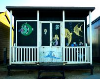 Konstnärlig design på en strandkoja, Sutton på havet Royaltyfria Foton