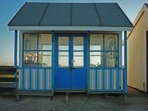 Konstnärlig design på en strandkoja, Sutton på havet Arkivbilder