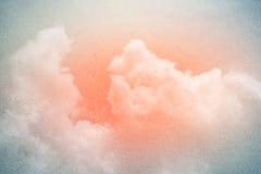 Konstnärlig himmel och moln med lutningfärg och grungetextur Fotografering för Bildbyråer