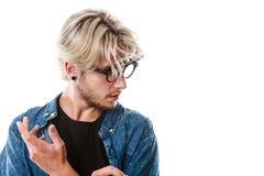 Konstnärlig man för Hipster med excentriska exponeringsglas Arkivbilder