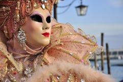 Konstnärlig maskering i den venice karnevalet Arkivfoton