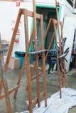 Konstnärlig utrustning: tomma konstnärstaffli royaltyfri foto