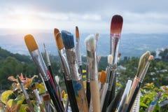 Konstnärmålarfärgborstar fotografering för bildbyråer