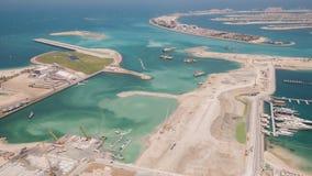 Konstruktion av den konstgjorda ön av Palm Jumeirah i Dubai Timelapse lager videofilmer