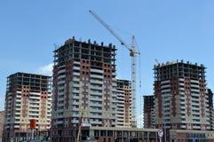 Konstruktion av det nya bostads- området Arkivbild