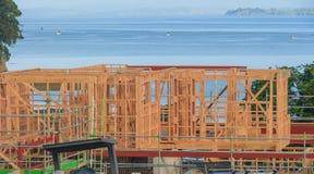 Konstruktion av ett hus som förbiser havet som bygger returnerar i Nya Zeeland Arkivbilder